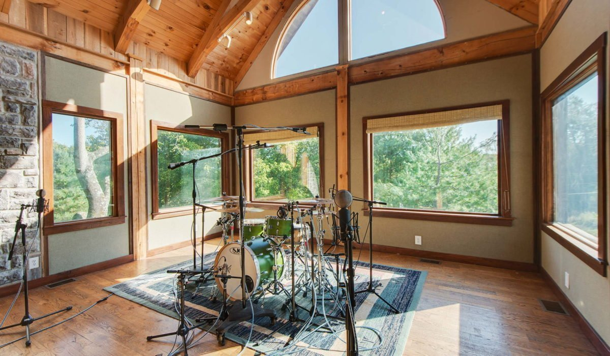 "Dark Horse Recording ""The Lodge"" Iso Room 1"