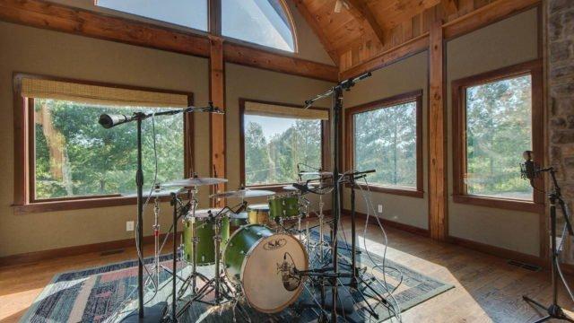 "Lodge-2Dark Horse Recording ""The Lodge"" Control Room Iso Room 1"