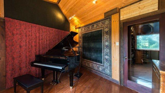 """Lodge-2Dark Horse Recording """"The Lodge"""" Piano Room"""