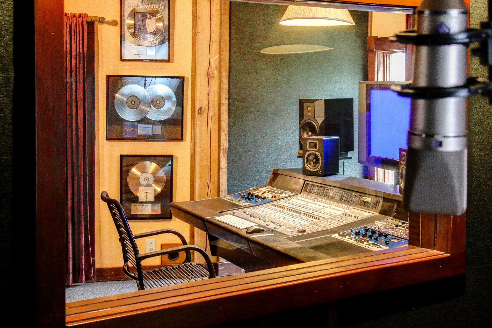 Barefoot Studio Iso Room 3