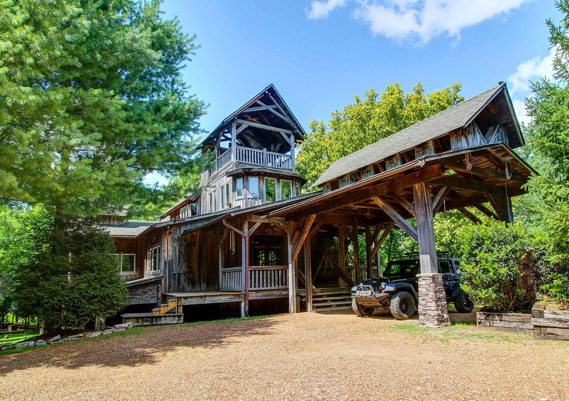 Dark Horse Recording Main Estate House Portico