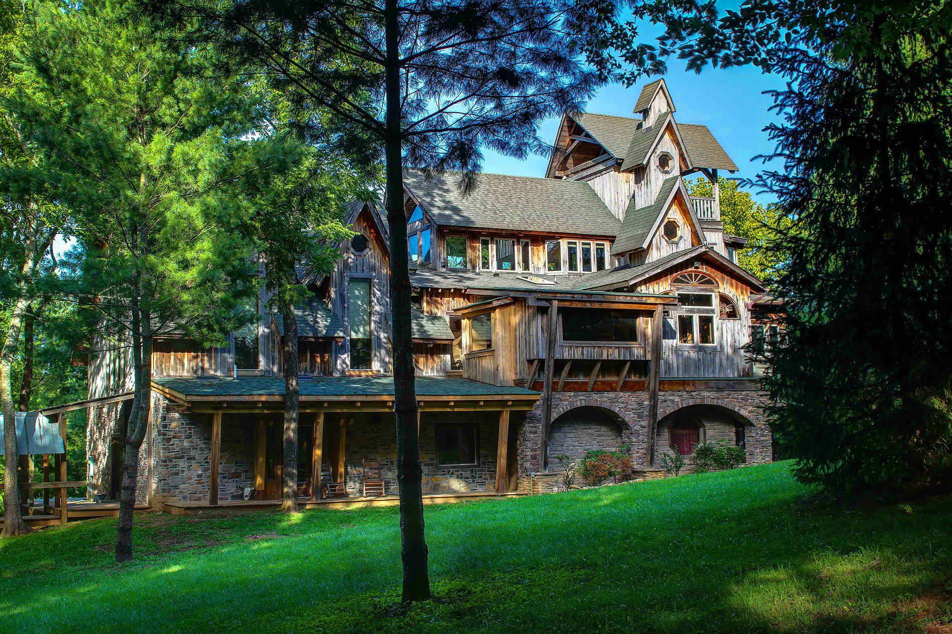 Dark Horse Recording Main Estate House