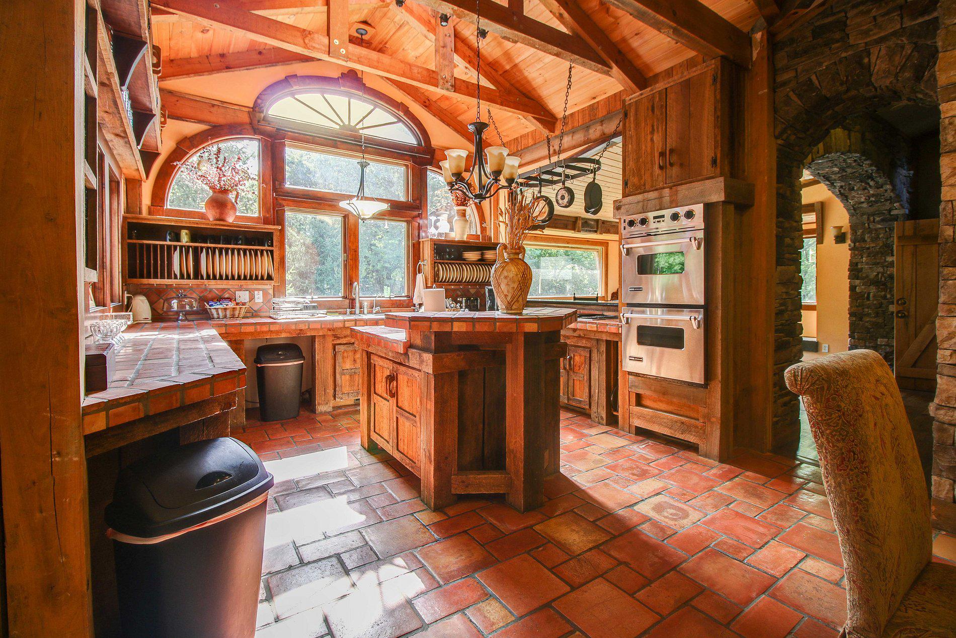 Dark Horse Recording Main Estate House Kitchen